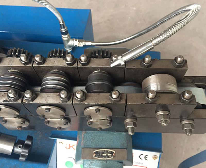 自動切割YJG110-3ZD型卷管機滾輪