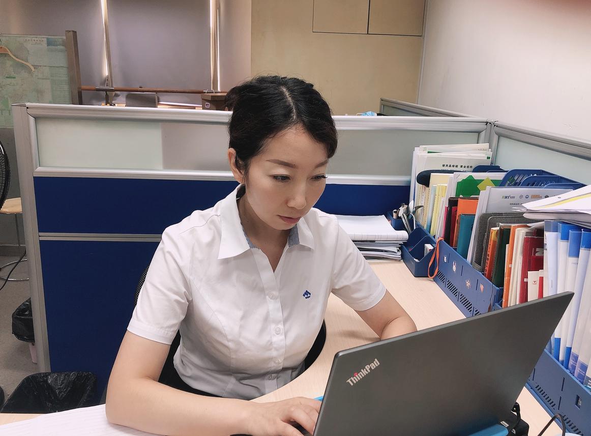 實踐求真知,奮斗不止息——記技術中心配方師王宏玲